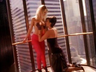Lesbians In A Elavator