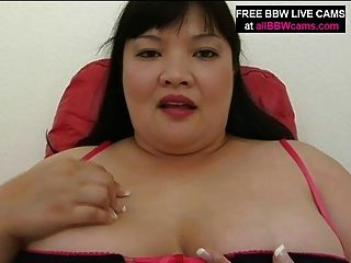 Fat Pussy Likes Fingers In Her Huge Pussy