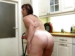 Fat Girl In Sexy Solo