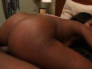Ebony Babe Gets Her Pussy Fucked Deep