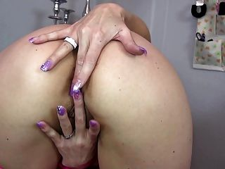 Sexy Amateur Milf With Hungry Butt And Pussy Holes
