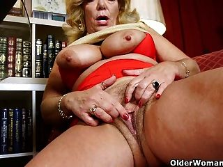 Craving Grannies Karen Summer And Dalbin Finger Pussy