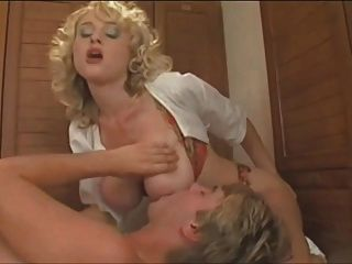 Lucky Guy Gets A Massage And A Little More From 2 Milfs