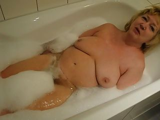 Goldenpussy:nice Hot Bath
