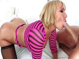Mellanie Monroe Sucks Long Prick With Passion
