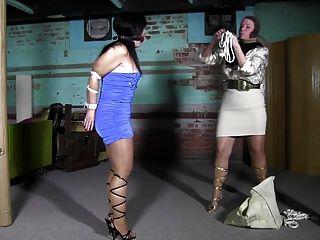 Pantyhosen Frau Gigi Beim Telefonieren