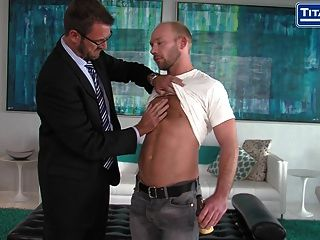 Hairy British Muscle Daddy Anthony London Fucks Redneck