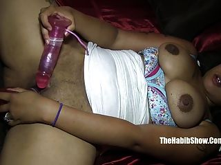 Yella Creo Lady Queen Plays With Her Tight Pussy Nut