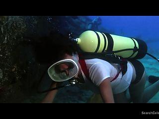 Jacqueline Bisset Nude - The Deep