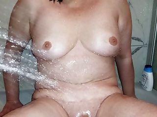 Chrissi In Der Dusche