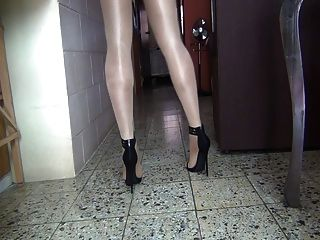 Feeling The Heels 5 Inch In Pantyhose In A Shiny Day Part 1