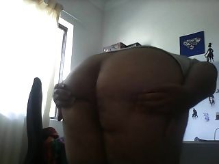 Fat Ass Shaking It On Cam