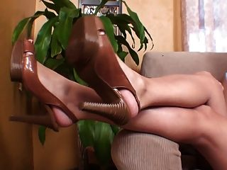 Goddess Brianna Foot Domination Shoe Story