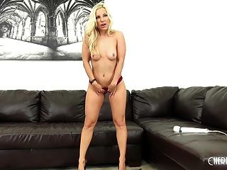 Ashley Fires Gets Fucked Live