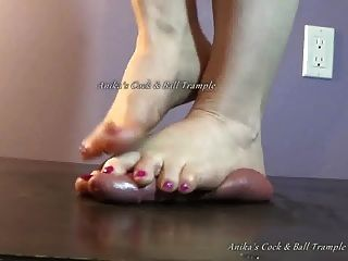Dirty Foot Cock & Ball Crush!