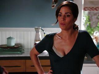 Roselyn Sanchez, Dania Ramirez - Devious Maids S3e10