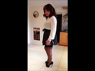 Sindy In Short Flippy Skirt