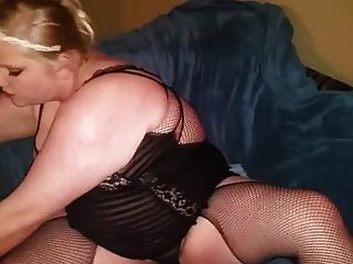 Plumper Toying Her Wet Pussy