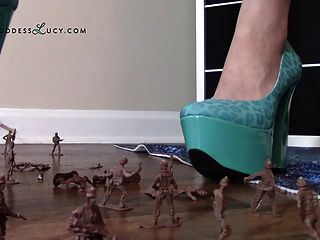 Giantess Crushing Army Men In High Heel Platform Shoes Crush
