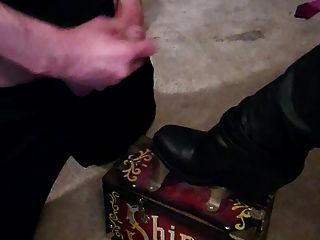 Bootjob For A Demanding Mistress!