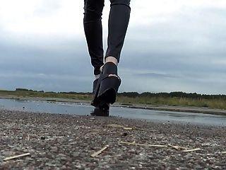Walking In Extreme Platform Mules And Outdoor Cumshot