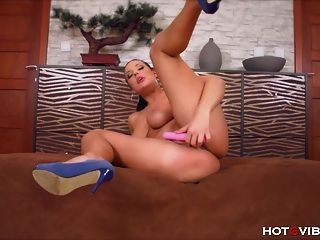 Busty Bbw Enjoys A Beautiful Orgasm