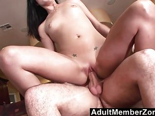 Adultmemberzone - Lola Banks Gets A Surprise Dicking