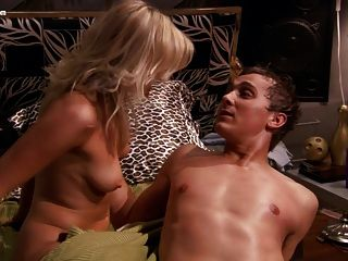 Ashleigh Hubbard Nude From American Pie Presents Beta House