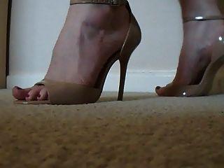 Modelling High Heels