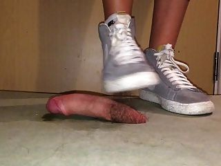 Cock Cush Grey Nike Sneakers