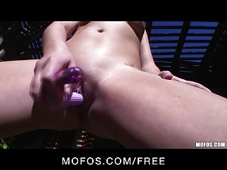 Horny Young Blonde Babe Kelly Surfer Toys Her Pussy