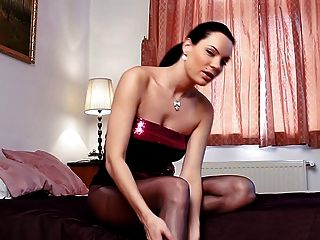 Hot Brunette Rips Her Pantyhose