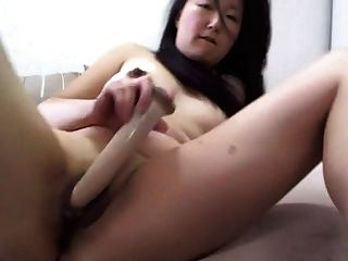 Amateur Asian Hottie Toying