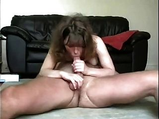 Amateur Couple Suck And Fuck On The Floor !