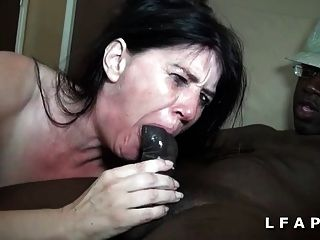 Bonne Milf Sodomisee Par 2 Blacks