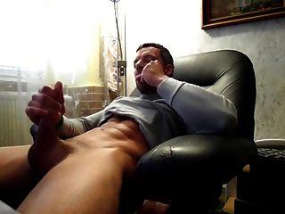 Str8 Daddy Stroke & Cum Watching Porn