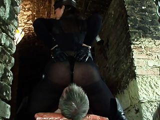 Hot Mistress Facesits Her Victim