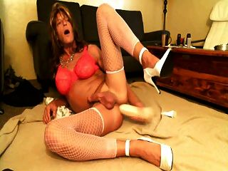 Crossdresser Huge Dildo Ass-to-mouth