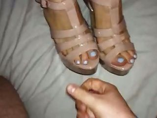 Shoejob And Cum On Her Feet And Strappy Platform Heels