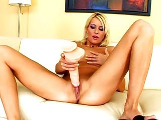 Melissa Black Gets Fucked By A Dildo