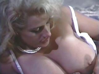 Blonde in heat buttfucked 7