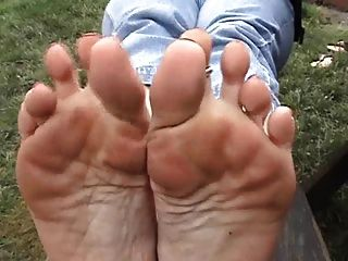Load Blowing Dirty Feet (part 2)