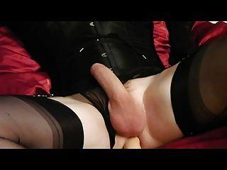 Crossdresser playing huge dildos
