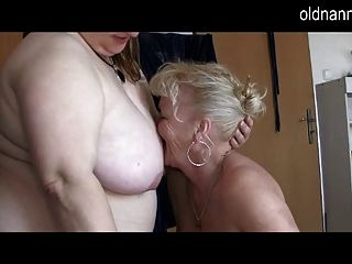 Oldnanny: Two Chubby Grannies Sucking One Dick