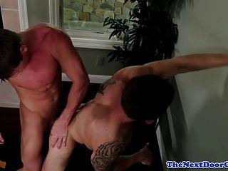Muscled Jock Bareback Assfucks Ripped Hunk