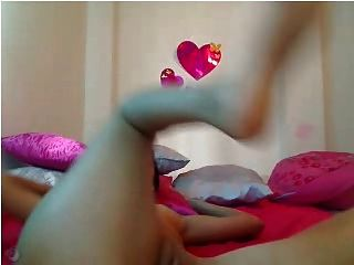 Latina Webcam: Playful Chick Toys Her Pussy