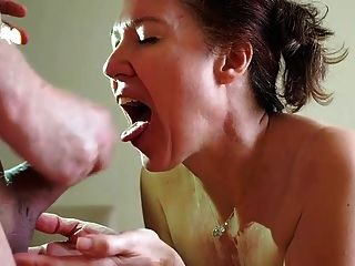 Milf Getting The Cumshot In Her Mouth