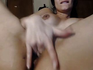Girl Uses Vibe On Her Squirting Pussy And Clit