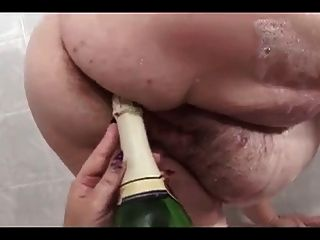 Eros & Music - Lesbian Bbw Fisting In Bathroom
