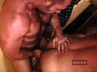 Threeway Muscle Bear Fuck
